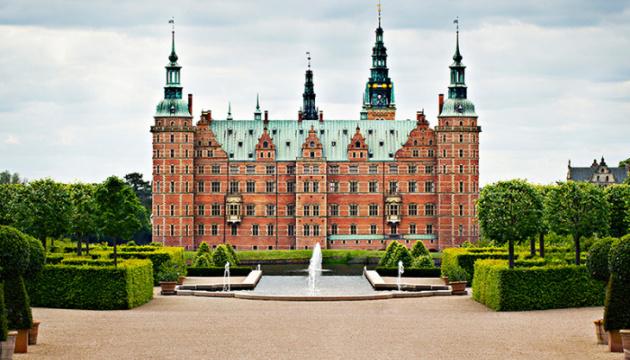 Посольство у Данії розповіло, як користуватися україномовним аудіогідом у замку Фредеріксборг