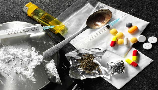 У каждого десятого украинца есть родственники или знакомые, больные наркоманией