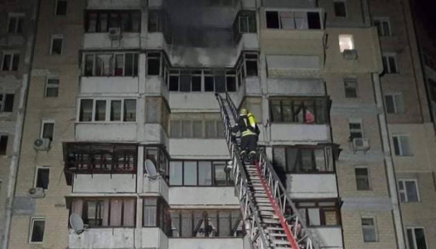 У столиці горіла десятиповерхівка, рятувальники евакуювали 15 мешканців