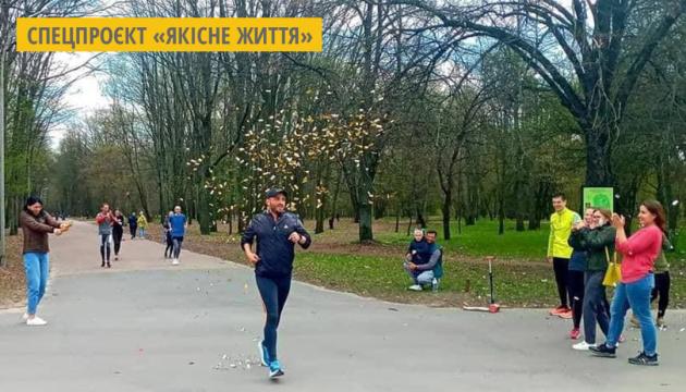 Чернігівець Павло Деркач пробіг свій сотий марафон
