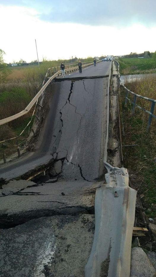 На трасі Львів-Луцьк обвалився міст: організовано об`їзд