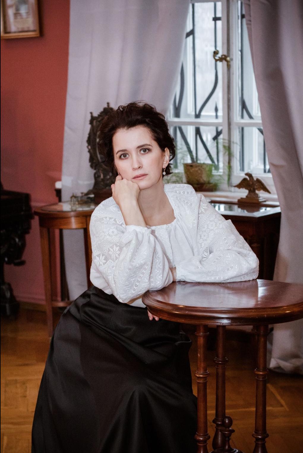 Анжеліка Гірич в сорочці Марії Заньковецької