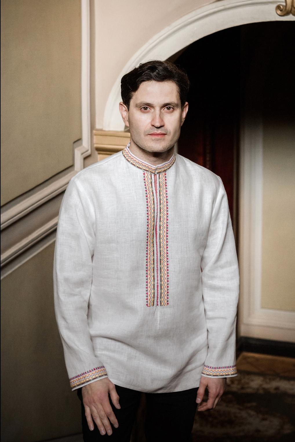 Ахтем Сеітаблаєв в сорочці М Старицького
