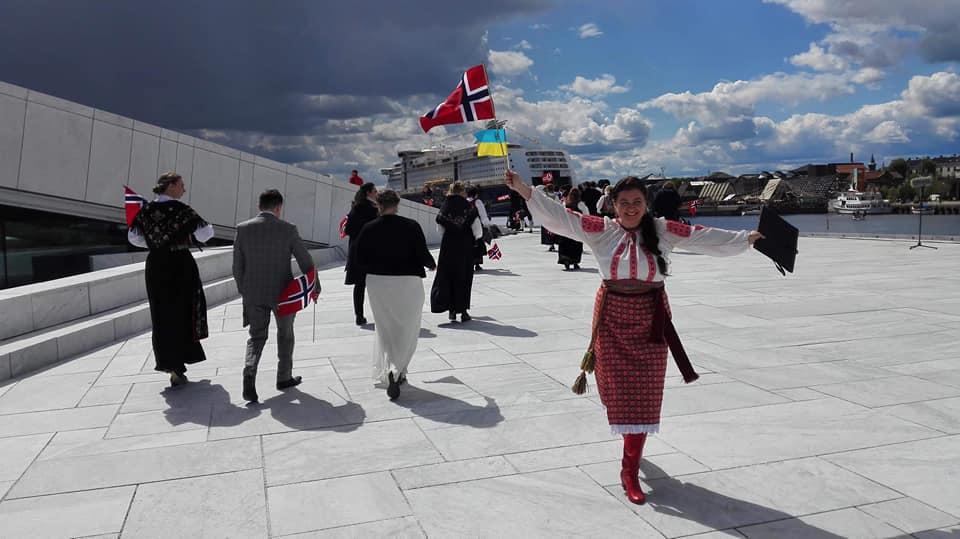 Українська оперна співачка (сопрано) Оксана Мирончук святкувала День Норвезької Коституції 17 травня в Осло
