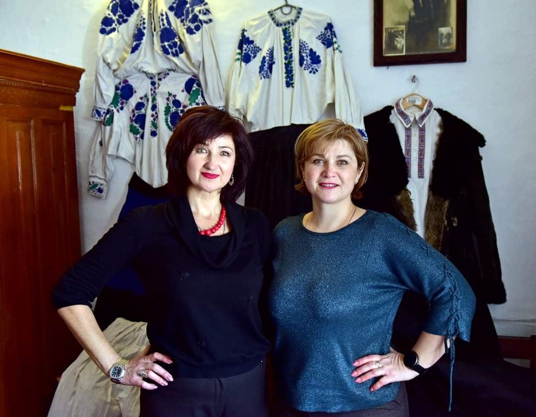 Валентина Когут (праворуч) та Галина Бернацька (ліворуч)