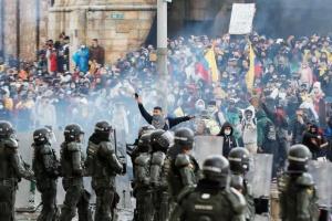 Масові протести залишили одне з найбільших міст Колумбії без пального