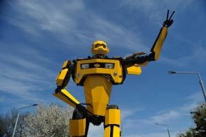 В'їзд у Вінницю прикрасили фігурою персонажа з «Трансформерів»
