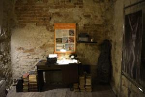 У підземеллі львівського храму відкрили виставку унікальних реліквій XII-XV століть