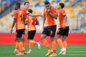 «Динамо», «Шахтар», «Зоря» - призери, «Минай» залишає Прем'єр-лігу