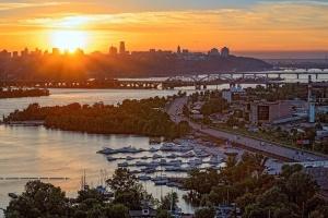Альтанки, зони для дітей і пляж: на Дніпровській набережній створять парк