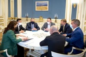 In der Ukraine will man Schweizer Züge zusammenbauen - Selenskyj trifft sich mit Investoren von Stadler
