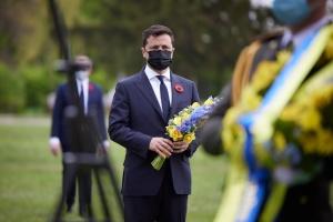 Президент напомнил, что во Второй мировой погибли более восьми миллионов украинцев