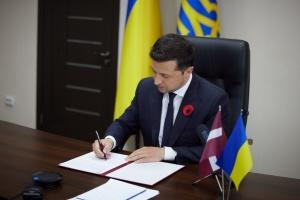 Зеленський та президент Латвії підписали декларацію про європейську перспективу України