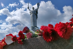 Кличко разом з військовими вшанував пам'ять полеглих під час Другої світової