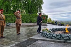 Посол Британії вшанувала пам'ять загиблих у Другій світовій у Києві