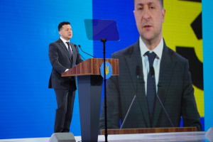 President: Ukraine doesn't want war, yet must have powerful army for peace