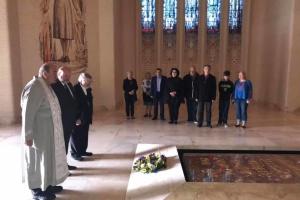 В Австралії українці поклали вінок до могили Невідомого солдата