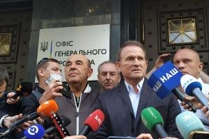 Медведчук розповів, як ходив до прокуратури та отримав підозру
