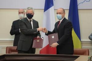 ウクライナとフランス、総額13億ユーロ強の支援合意に署名