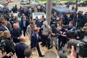 Медведчук прийшов до суду для обрання запобіжного заходу