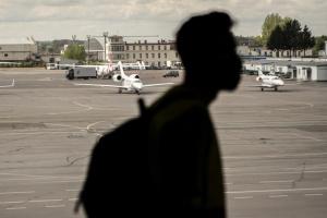 Пассажиропоток украинских аэропортов сократился на треть