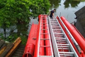 На Черниговщине разлив Десны оставил четыре села без переправы