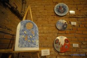 Ко Дню Европы в Виннице открылась выставка современных икон «Слово стало плотью»