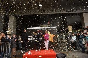 На «Площі зірок» в Києві відкрили зірку Пономарьову