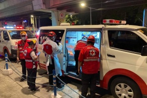 На Філіппінах п'ять годин гасили пожежу в COVID-лікарні
