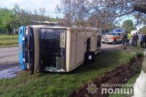 На Ривненщине перевернулся автобус - есть пострадавшие