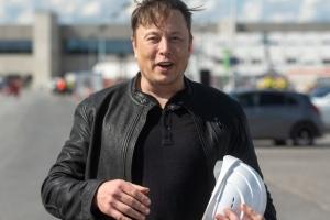 Маск проверил строительство «гигафабрики» под Берлином