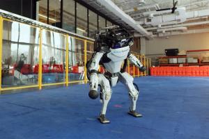 Гуманоїдний двоногий робот «Atlas®»