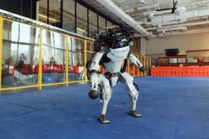 Гуманоидный двуногий робот «Atlas®»