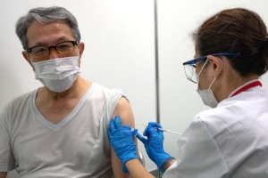 В Японії вакцинація вберегла від коронавірусу 650 тисяч осіб