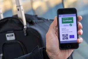 Viajar al extranjero solo con certificados COVID. ¿Cómo se verán?