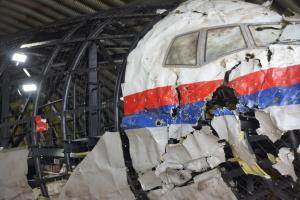 Sprawa MH17. Sąd w wojskowej bazie lotniczej i oszołomieni sędziowie