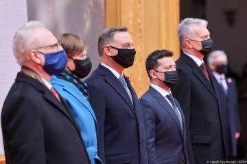 Prezydenci pięciu krajów podpisali w Warszawie wspólną deklarację