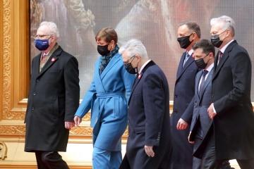 ウクライナ、ポーランド、バルト3国の5大統領、共同宣言に署名