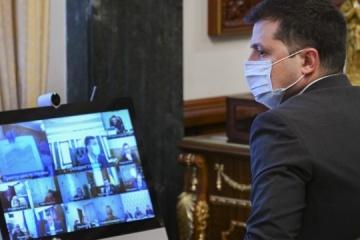 Zelensky: La mayoría de los ucranianos han de recibir la vacuna contra la COVID-19 antes del Día de la Independencia