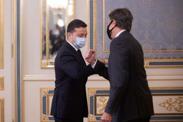 """Präsident Selenskyj kündigt """"sehr wichtiges Abkommen"""" mit den USA an"""