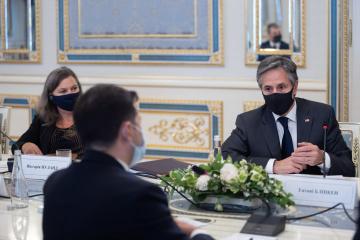 ロシアはウクライナの主権破壊のために汚職を利用している=米国務長官