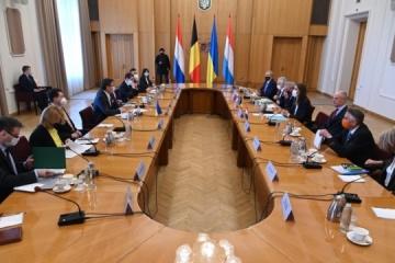 Kuleba pide a la UE que presione a Rusia para que sea constructiva en el formato Normandía