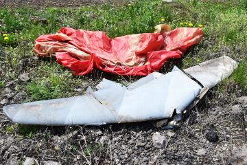 Militares ucranianos derriban drones de los ocupantes