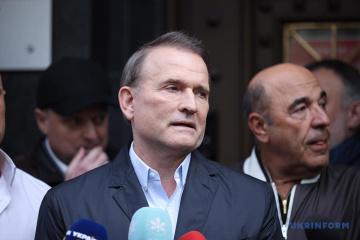 Medvedchuk notificado de una solicitud de detención