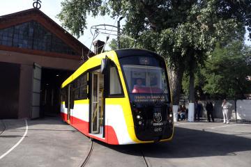 В Одесі запустили курортний трамвай