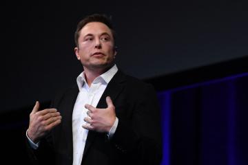 Elon Musk conoce a los descendientes de Serguéi Koroliov
