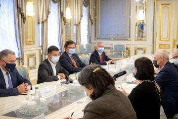 Volodymyr Zelensky et David Zalkaliani ont discuté de la coopération sur la voie de l'UE et de l'OTAN