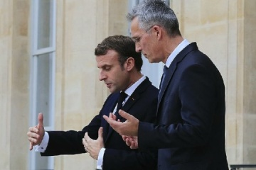 Jens Stoltenberg et Emmanuel Macron ont discuté de la situation en Ukraine