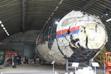 Crash du vol MH17 : aujourd'hui, les juges inspectent les débris du Boeing