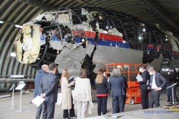 Das Gericht in den Niederlanden gibt das Wort an Angehörige von MH17-Opfern